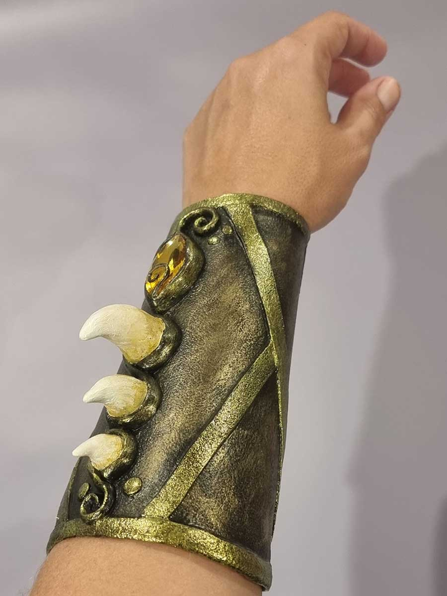 Wearable-Art---Thermoplastics-Workshop---Anita-Baills-1